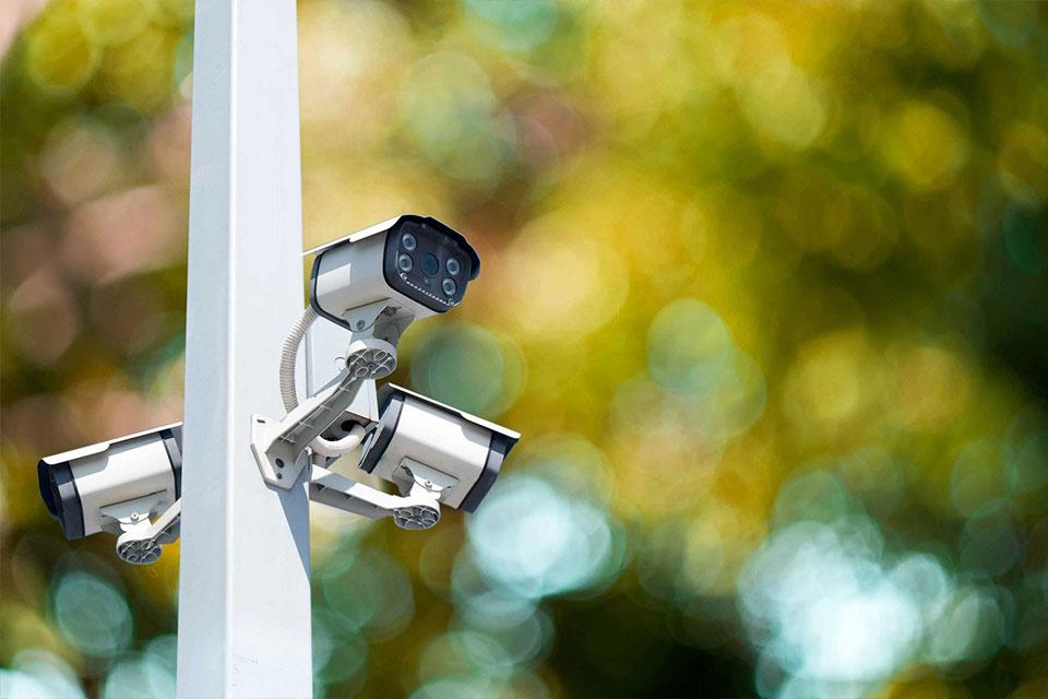 Закрытая охраняемая территория с круглосуточным видеонаблюдением.